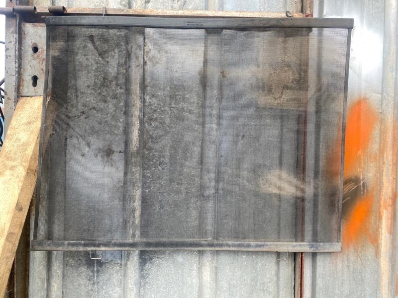 Решетка радиатора сетка предохранительная